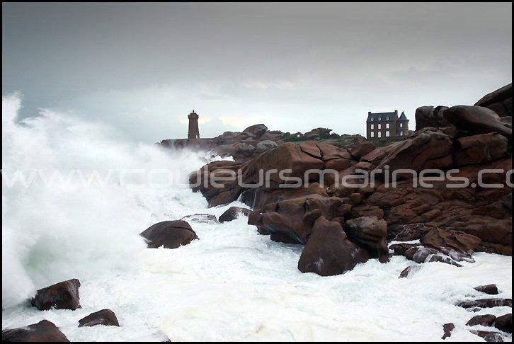 Phare dans la tempête, Ploumanac'h, tempête en Bretagne