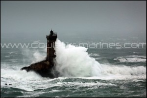 Le phare de la Vieille dans la tempête !