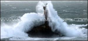 Tempête en Bretagne, phare de la Vieille